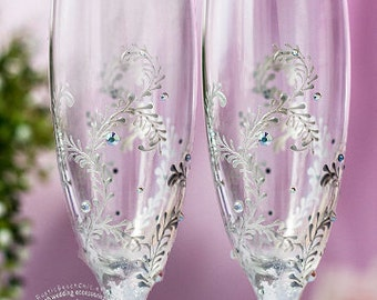 Winter Wedding Glasses Engraved Champagne Flutes, Personalized Champagne Flute, Silver Toasting Glasses, Champagne Glasses, Toasting Flutes