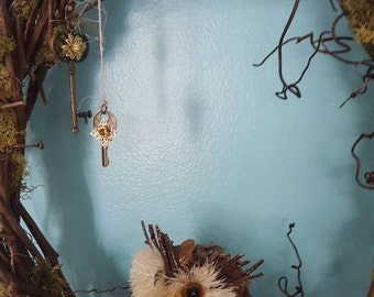 Woodland grapevine wreath, owl, sparkly moss