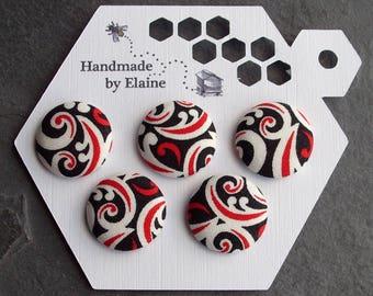 per batch of 5 buttons Black grey arabesques buttons 15 mm
