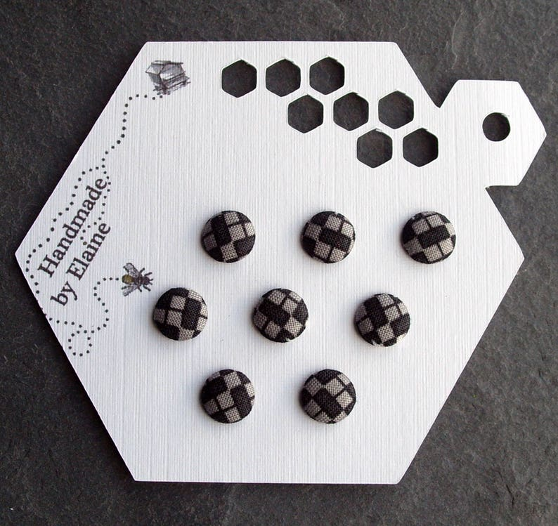 8 x 10mm Gaming Black /& Grey Buttons Chessboard 1980s Video Squares Charcoal Chequerboard Buttons 2936 16L Fabric Covered Buttons