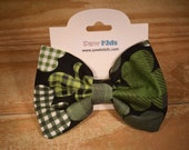 Plaid Shamrocks Slip Thro...