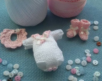 Set baby miniatures, pelele and booties