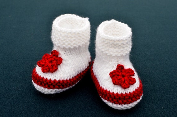 Knitting Pattern Only Two Colors Simple Baby Booties Etsy