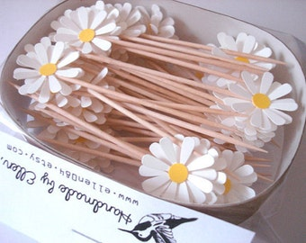 Set of 50Pcs - Daisy Party Picks, Cupcake Toppers, Toothpicks, Food Picks (pure white)
