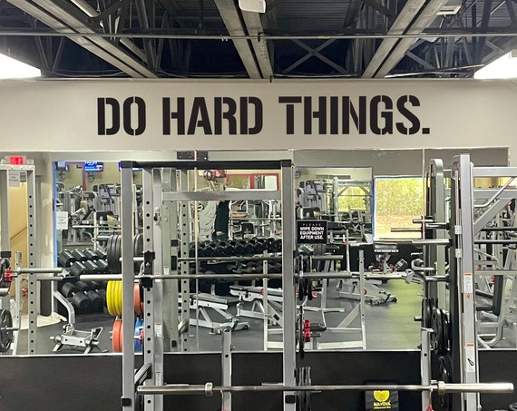 DO HARD THINGS. Gym Wall Decal Idea, Gym Quote Decor, Fitness Decor, Home Gym Design Idea, Fitness Wall Decal, Cycling Quote decor