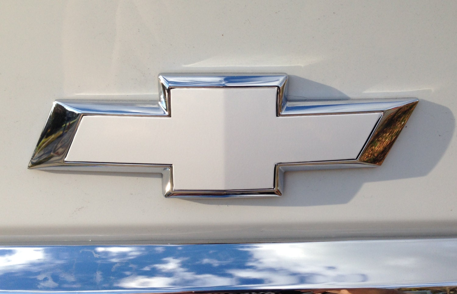 White Vinyl Sheets 2 U-Cut Decal-Overlay  for Chevy Bowtie Emblems Front/&Back
