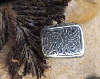 Ornate  Sterling Silver Ring Size 7.5