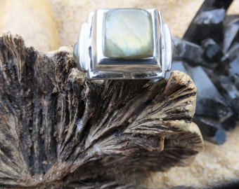 Moss Agate and Sterling Silver Ring....Size 8