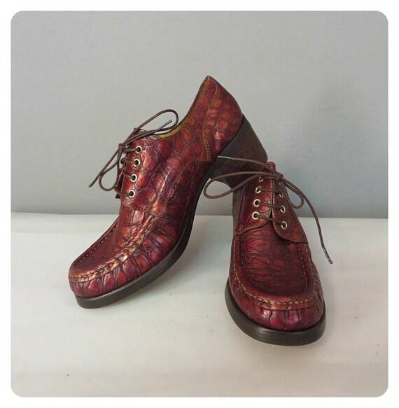 ba48daa3e16abd Chaussures de femme Vintage années 60/70 style irisée bordeau | Etsy