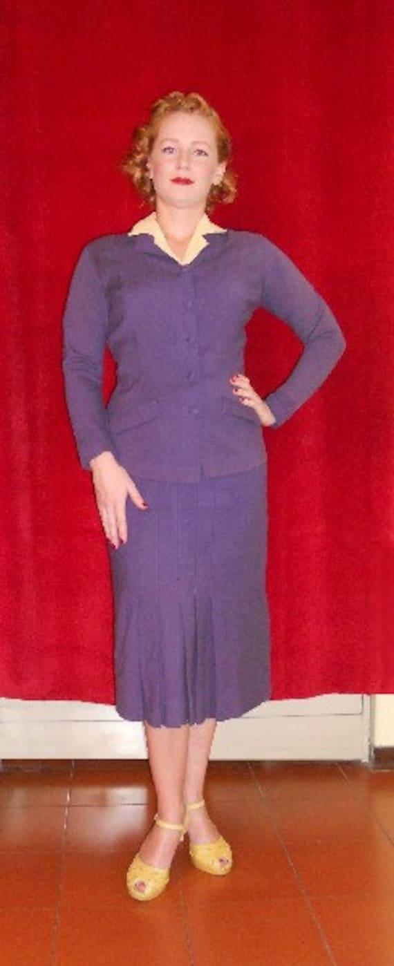 Vintage 1930s woman purple suit Small