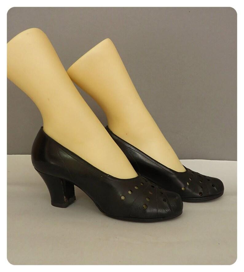 d5779ff09f940a Vintage des années 30/40 s pompe de cuir noir chaussures femme | Etsy