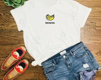 Banana Minimal Graphic T-Shirt - Cute Fruit Shirt - Kawaii Shirt - Simple  Design - Shirts with Sayings - Statement Tees - Women Graphic Tees 38c84b9f7