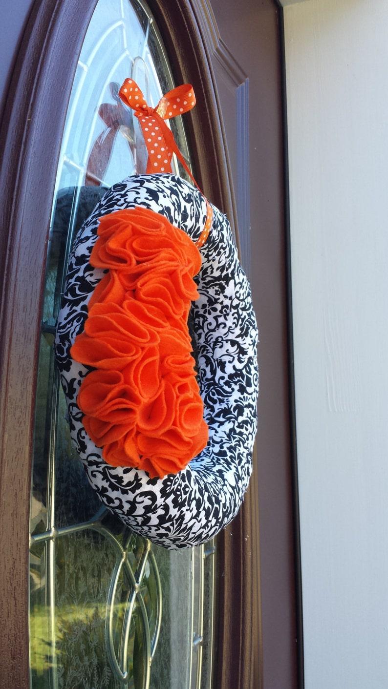 Black and Orange Ruffled Halloween Wreath
