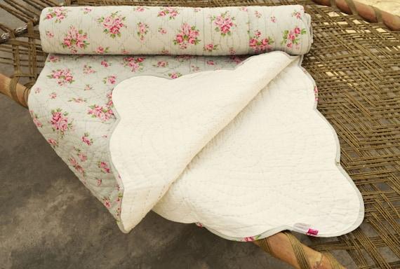 Shabby Chic gesteppte Tagesdecke, Farbe grau, rose Druck Quilt, romantisch,  100 % Baumwolle, 60 X 90 Zoll