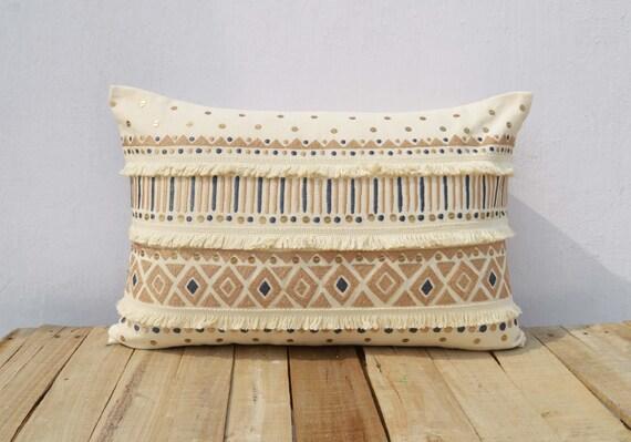 coussins couverture de couleur cr me brod oreiller etsy. Black Bedroom Furniture Sets. Home Design Ideas