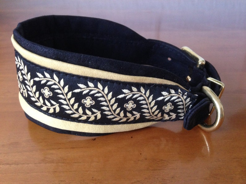 1020 Beautiful soft leather greyhound collar with bristle and brass buckle