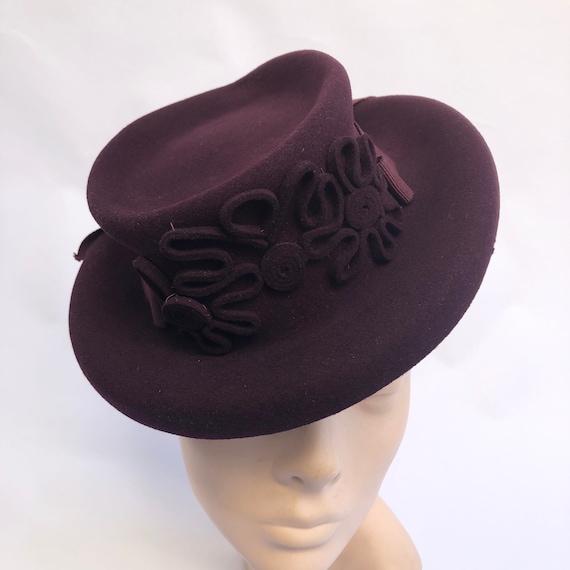 Original 1940s Burgundy Felt Hat with Soutache