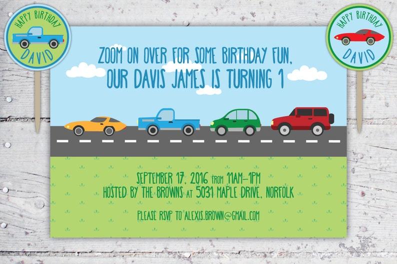 20d35d039e2c2 Zoom sobre coches y camiones infantiles cumpleaños invitación