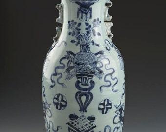 CHINESE VASE - large blue and white porcelain antique vase - early 19th Century
