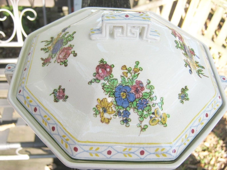 Vintage Kitchenware Royal Doulton Covered Casserole Octagon Shape Vintage Collectible Royal Doulton #4441 Possible Old Leeds Spray