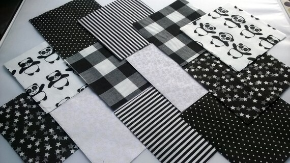 """30 x Black and white Panda 5/"""" Fabric Patchwork Squares Pieces Charm Pack"""