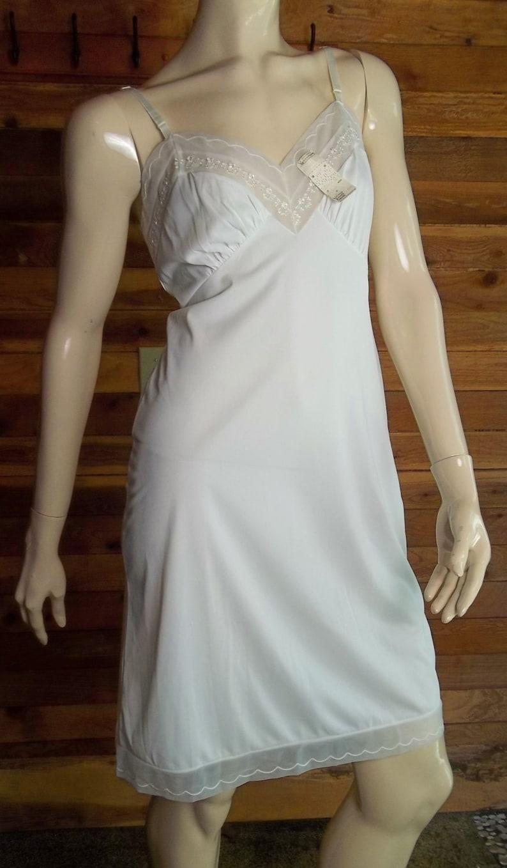 0fa53f089 Vintage Lingerie 1960s HOLLYWOOD VASSARETTE 32 A White Full