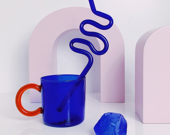 Sapphire clear mug + 1 bend straw (not the crazy one)