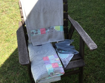 On sale - Modern Patchwork Crib Set, Cot Set - Unisex. Grey, blue and pink, modern quilt. Handmade Modern Cot Quilt, includes bunting and to