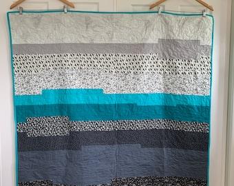 Wanderlust Quilt | Lap size Quilt | Modern Design | Aqua quilt
