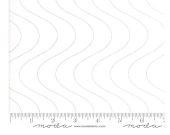 End of bolt Low Volume Fabric | Thrive for Moda, by Natalia and Kathleen of Pieced and Quilt | quilters cotton