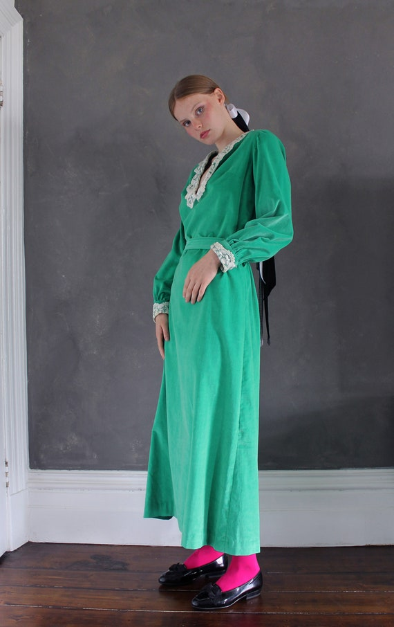 Vtg 70s velvet maxi dress/ bright green velvet/ M… - image 3