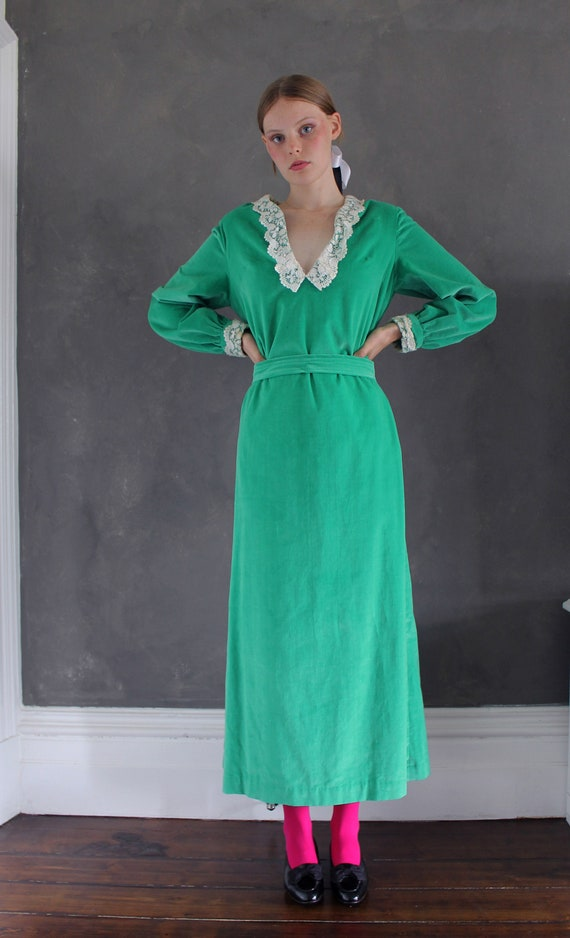 Vtg 70s velvet maxi dress/ bright green velvet/ M… - image 2