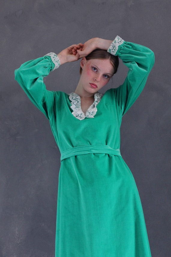 Vtg 70s velvet maxi dress/ bright green velvet/ M… - image 6