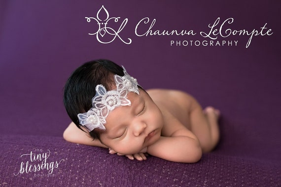 White Lace Pearl Flower Halo Baby Headband Baby Tie Back Beautiful Newborn Photo Prop Baby Headband
