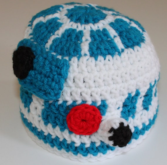 c1d81a81c83 Crochet R2D2 hat. Star Wars chatactor hats.