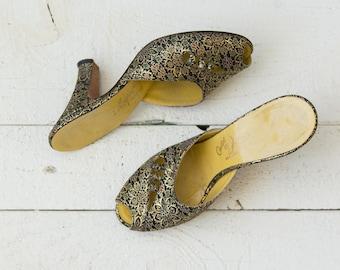 Greta heels   Vintage 1940s brocade slip on pumps   Womens 40's shoes