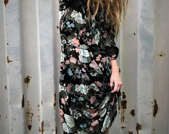 Vintage 60's / 70's sheer floral 3/4 sleeve midi / maxi dress...