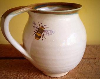 Mug with Single Bee and Trim