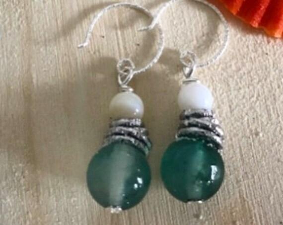 Quartz/shell earrings