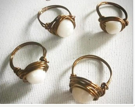 Copper wire rings with mother of pearl bead