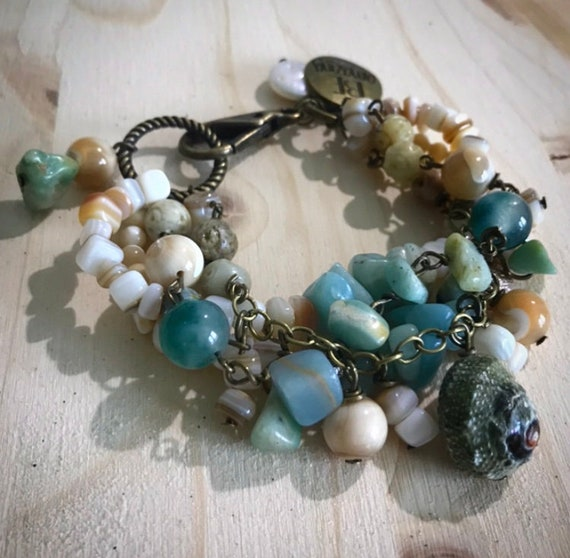 "Amazonite and Shell ""be amazing"" bracelet"