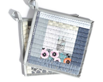 Grey Pot Holder Set, Fabric Hot Pads, Housewarming Gift for Hostess, Grey Kitchen Decor, Quilted Potholders, Fabric Trivets, Gift for Mom