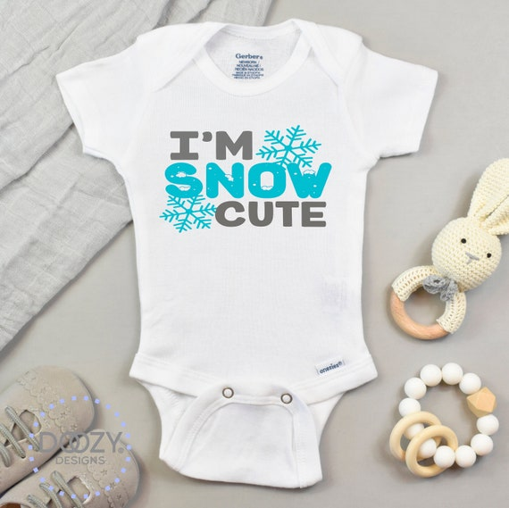 Bien sûr je suis mignon regardez MA MOMIE Gilet Baby Grow 100/% Coton Garçons Filles bodys