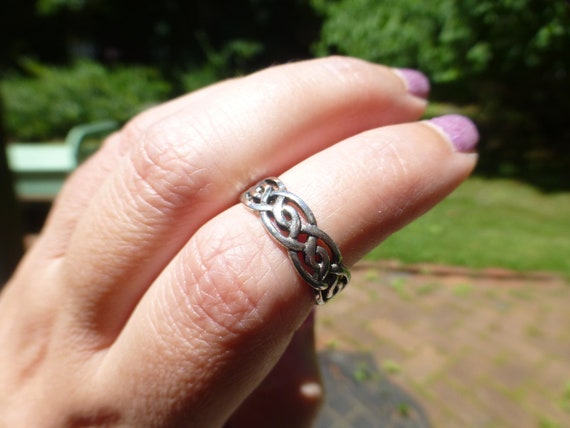 Solid 925 Sterling Silver Celtic Irish Dragon Protection Good Luck Ring Size 6