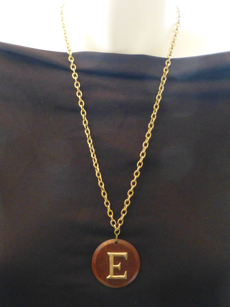 Vintage E 1960s Wooden Pendant Necklace Initial Necklace Rare Very Good Condition 24/'/' Chain Wow