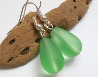 Light Green Sea Glass Earrings,Sea Glass Jewelry,Seaglass Earrings,Seaglass Jewelry,Beach Glass Jewelry,Beach Glass Earrings.Free US Ship