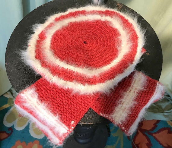 Sweet Vintage 50s 60s Child's Red Crocheted Beret