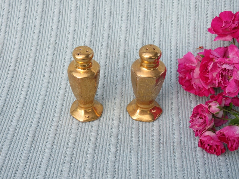 Salt /& Pepper shakers Vintage gold over ceramic china small collectible display wedding little tiny matching pair set shaker serving fancy