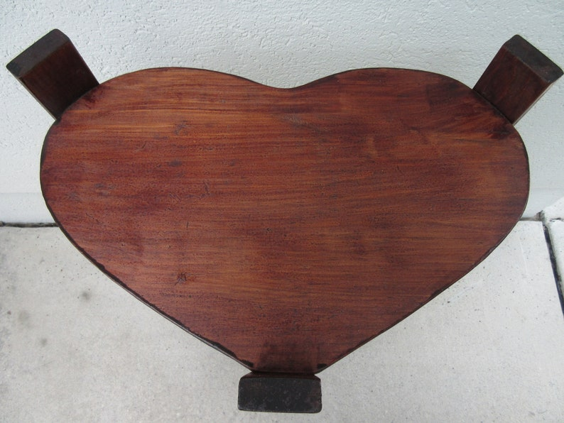 Vintage side table 30 three tier heart shaped wood natural medium dark stain lamp nick knack stand corner bedside shelf shelves sturdy