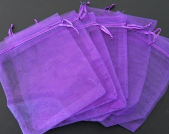 10 pack Beautiful Dark Purple Organza Gift and Favour Bags 7cm x 9cm by Weddingandpartystore